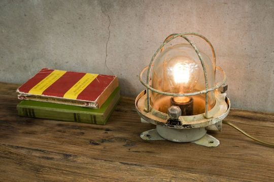 Antike Ozeandampfer-Leuchte