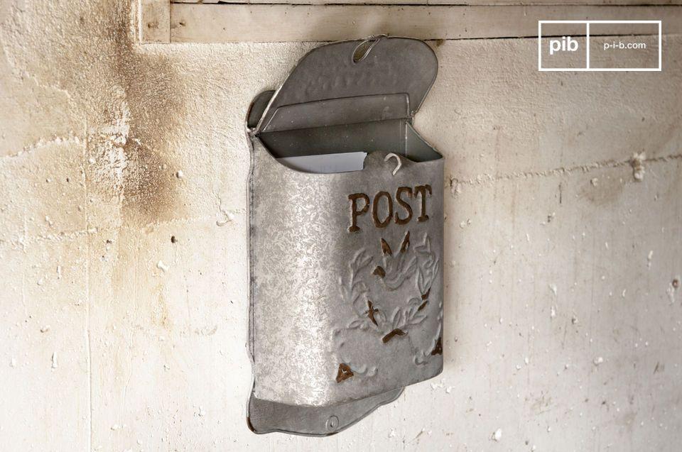 Er kann auch sehr gut im Innenbereich als Ideenbox dienen !Der Briefkasten Post wurde aus leicht