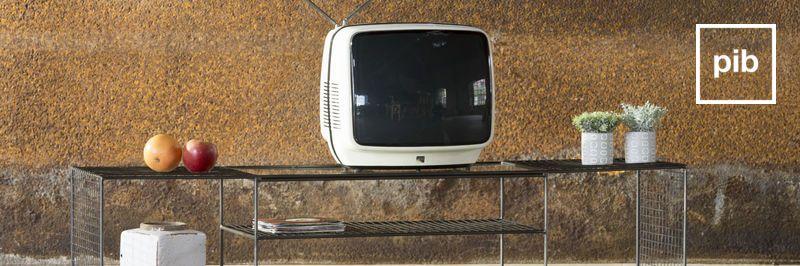 Niedriges TV-Möbel
