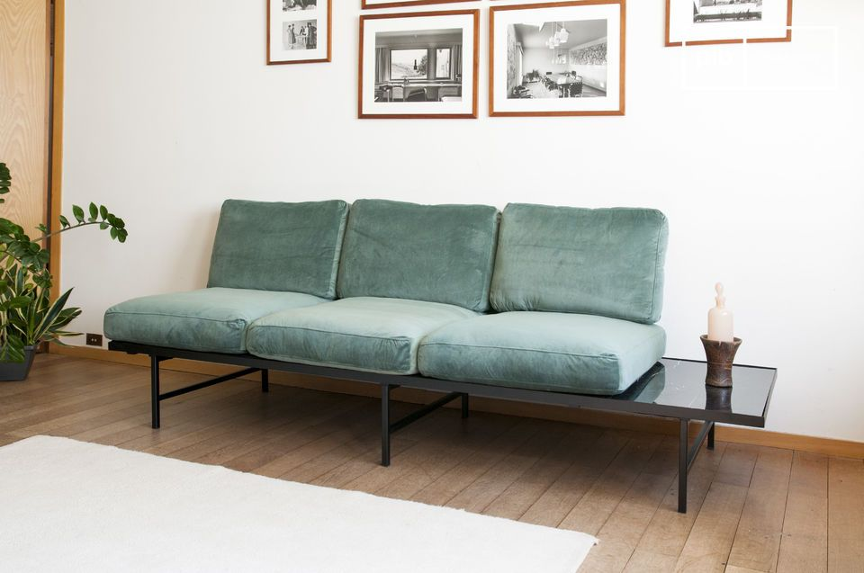 Das Cathy-Sofa hat einen tiefen und bequemen Sitz