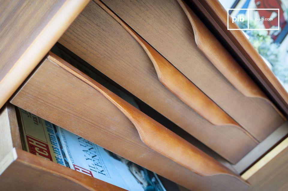 Durch die Kombination von vier originell gestalteten Schubladen